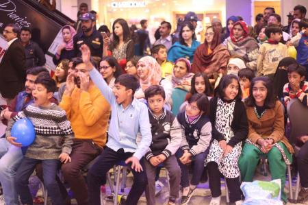 Giga Mall Rabi Pirzada visit at Giga Festival  (18)
