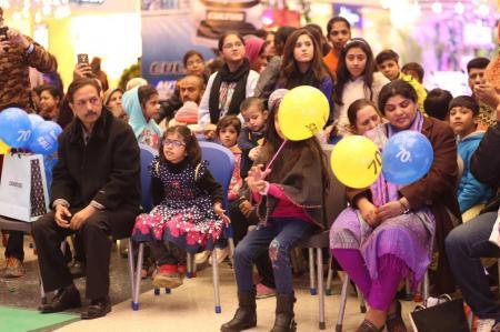 Giga Mall Rabi Pirzada visit at Giga Festival  (6)